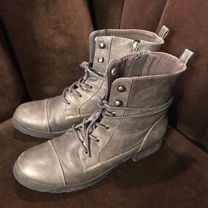 EUC Women's American Eagle Booties Gray 10